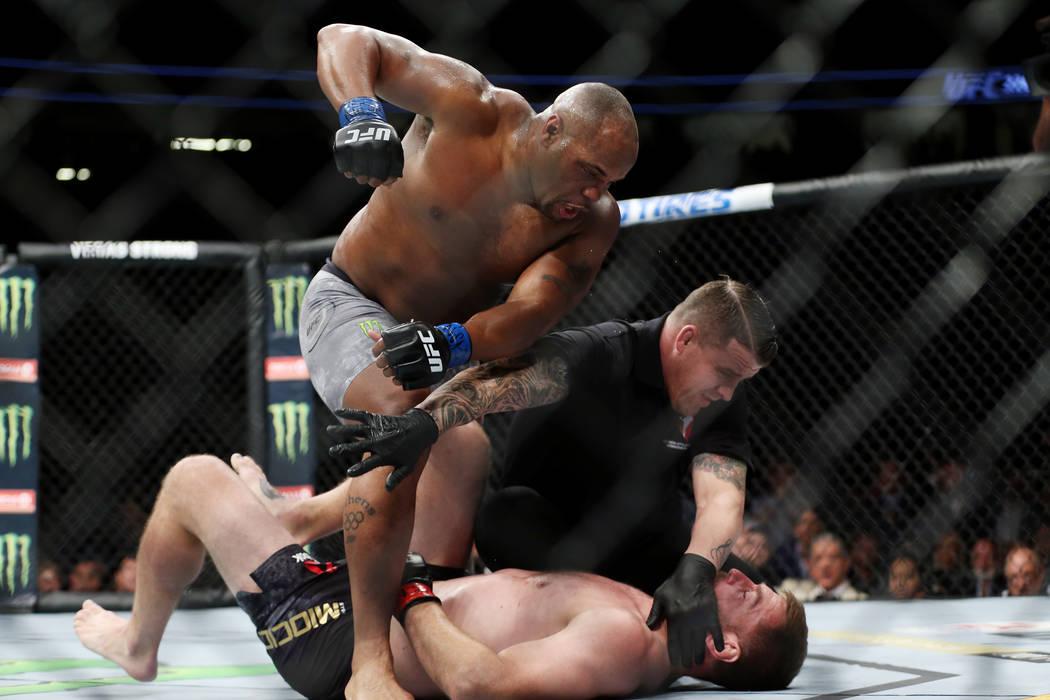 10797539_web1_MMA-UFC226_070718ev_044