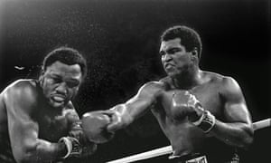 Muhammad-Ali-right-stuns--009